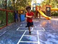 بازی شغل کودک است